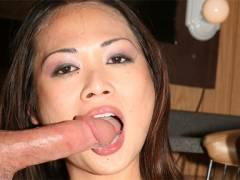 Nyomi Zen Asian hottie perform amazing bj
